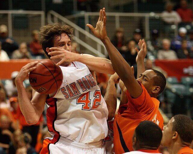 basketball-1625318_640